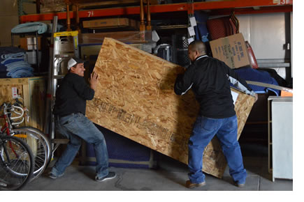 Alliance Moving Systems offers a full range of moving and storage services.